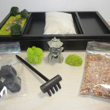 3 in 1 Medium Zen Garden - Includes Sand/Raking Landscape, Rock Garden and Japanese Pond - DIY Kit