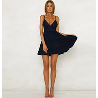 Explosion models low-cut V-neck strapless lace dress holiday beach skirt Dark blue