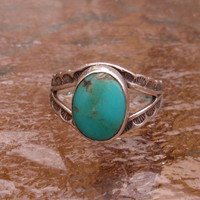 1940's Navajo Hand Crafted Sterling Turquoise Ring Size 4