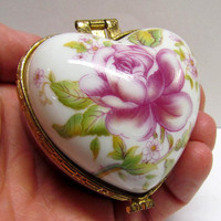 Vintage Decorative Floral Design Heart Shaped Trinket Box / Keepsake Box / Jewlery Box, With Hinged Lid
