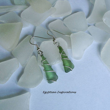 Sea glass earrings. Wire wrapped green beach glass sea earrings. Sea glass jewelry.