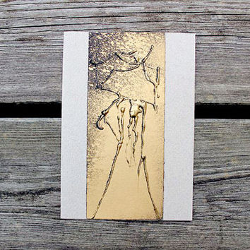 Greeting card A6 4x6 - Golden lady with an umbrella - beige cardboard