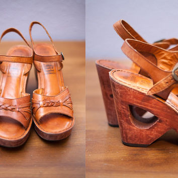 Vintage 70s Platform Shoes | Wooden Platform High Heels Cocktail Party Shoes 70s Sandals Retro Mod Cut Out Boho Hippie Leather Wedges Pumps
