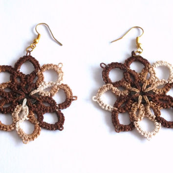 Brown Tatted Earrings with Button, Flower Tatted Lace Earrings, Tye Die Brown Flower Earrings, Tatted Lace Brown Earrings with Button