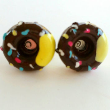 Donut earrings, Donuts, Donut accessories,  novelty earrings, earrings, pink donut with rainbow sprinkles, donut accessory, donut jewelry