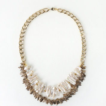 Natural Pearl Stick Statement Necklace with Antique Gold Leaf Chain, Eye-Catching Pearl Jewelry