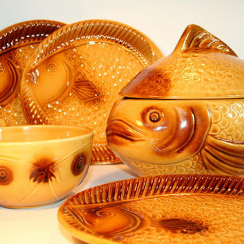 60's fish set made in Yugoslavia / Mad man style /Kil pottery / ceramic fish plates