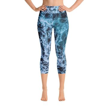 """Oceans Web"" Yoga Capri Leggings"