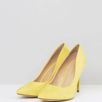 New Look Yellow Suedette Court Shoe at asos.com