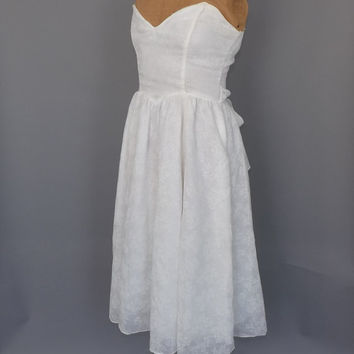 Vintage Jessica McClintock 80s does 1950s Prom Dress White Cotton Strapless Tea Length Wedding Gown Country Simple Bo Beep Southern Belle