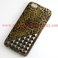 Iphone 5 Case, studded leopard Cases for iPhone 5, gun black studs, cheetah iphone 5 hard case
