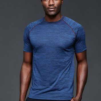Gap Men Urban Active Colorblock T Shirt
