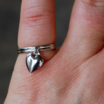 Vintage Beau Sterling Silver Ring Dangling Puffy Heart Stacking Midi Adjustable Boho Size 4 3/4 // Vintage Designer Sterling Silver Jewelry