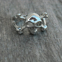 Vintage 1990's Punk Rock Skull & Crossbones Ring by InkandRoses13