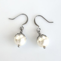Pearl drop earrings, pearl earrings, dangle earrings, antique silver, bridal earrings, wedding jewelry, women's jewelry, vintage inspired