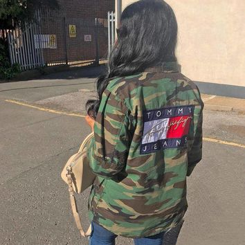 DCCKH3F Tommy Jeans 90's Camo Jacket