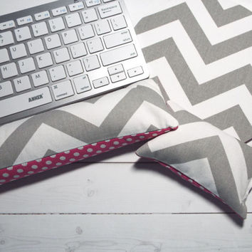 gray chevron - Mouse pad set - mouse wrist rest - keyboard rest - pink dots coworker gift, under 50, office accessories, desk, cubical decor