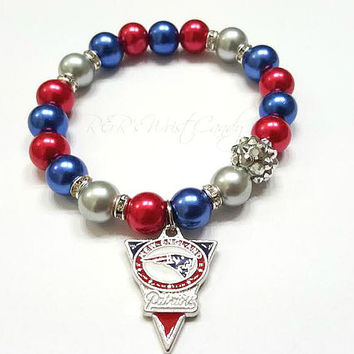 New England Patriots Bracelet,Beaded Bracelet,NFL, Football Bracelet, Charm Bracelet, Stretchy, Handmade, Custom Jewelry