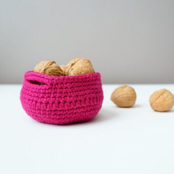 Rustic Wool Basket in Fuchsia Pink / Rustic Wool Bowl / Crochet Yarn Basket / Wool Crochet Basket / Rustic Basket / Rustic Bowl / Ring Dish
