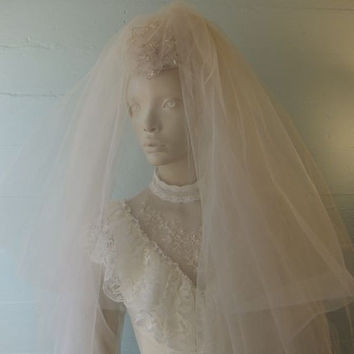 1950s Vintage Wedding Veil / Tulle Bridal Netting / Faux Pearls / Sequins
