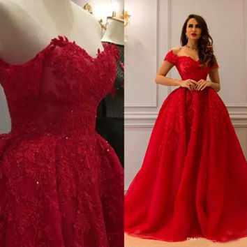 Red Luxurious Lace 2017 Arabic Evening Dresses Sweetheart Beaded Ball Gown Tulle Prom Dresses Vintage Formal Party Gowns