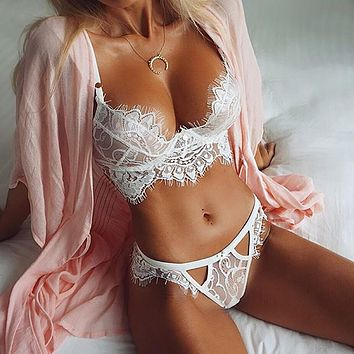 Lace Strap V-Neck Fashion Underwear Lingerie Set