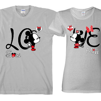 "Love Cartoon Kissing ""Cute Couples Matching T-shirts"""