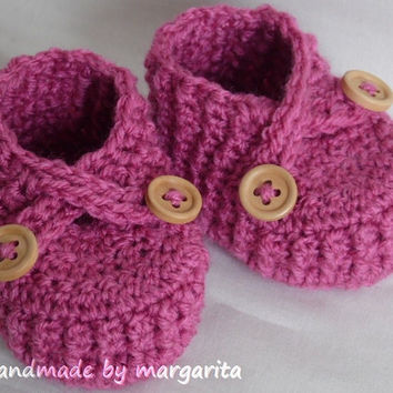 Crochet baby shoes ,choose your colour and size, newborn,0-3 or 3-6 M