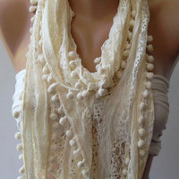 Elegant / Ivory Beige - Lace and Elegance Shawl.