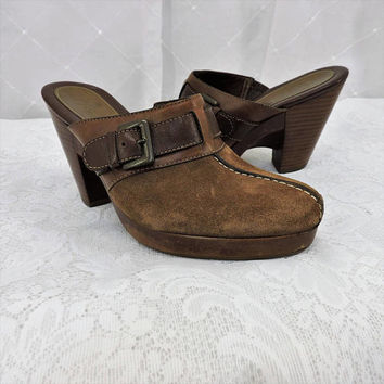 Vintage leather clogs / size 6 B / Cole Haan / Brazilian made brown suede leather clogs / boho hippie  wooden heels mules / SunnyBohovintage