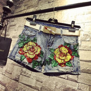 KL1201 New arrival brand quality fashion sequined flowers embroidery denim shorts women summer short mujer