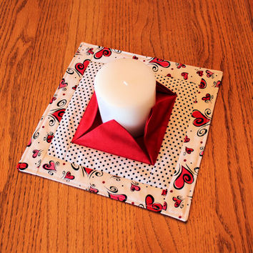 Valentine Quilted Candle Mat - Medium Red & White Mini Quilt - Lovers' Centerpiece or Snack Mat - Flameless Candle Mat - Hostess Gift