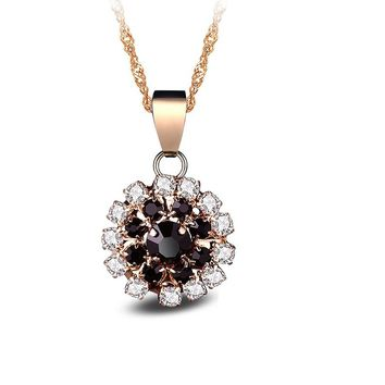 Black Crystal Cute Flowers Pendants Necklace