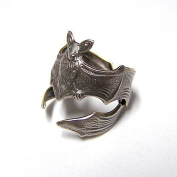 Gothic Steampunk Silver FLYING FOX Bat RING by chinookhugs on Etsy