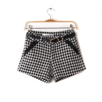 Retro Style Black and White Plaids Woolen Shorts
