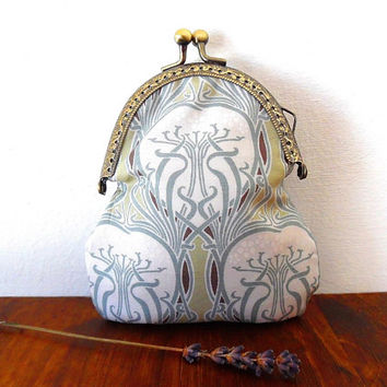 Light green nouveau flower purse / white / colourful / pink / gold / liberty / bronze / wallet / embossed / cotton / small clasp coin purse