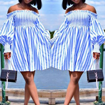 New sexy word shoulder wrapped chest skirt stitching contrast blue and white striped lantern sleeves swing short dress