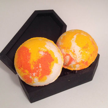 Pumpkin Pie scented Bath Bomb with gold glitter