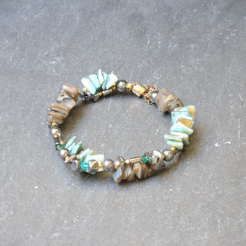 Turquoise gray bracelet, handmade beaded bracelet of mother of pearl, swarowski beads, vermeil elements,with a magnetic clasp,safety chain