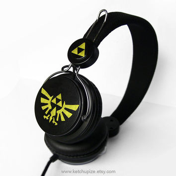 NEW Zelda headphones earphones handpainted Triforce black gold