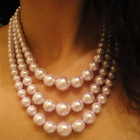 1950's Raspberry Pearl Necklace, Elegant Necklace