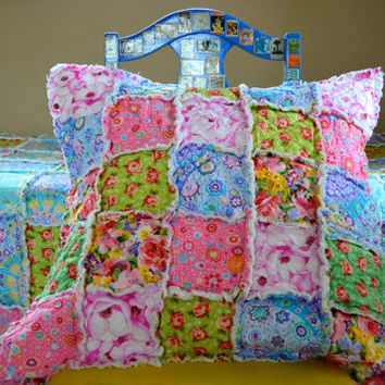 Kaffe Fassett, Shabby Chic Twin Size Rag Quilt with Pillow Sham