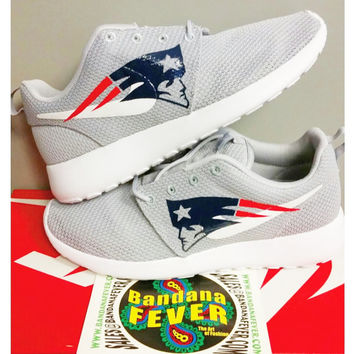 "Nike ""Patriots"" Roshe Run Men's Wolf Grey/White by Bandana Fever"
