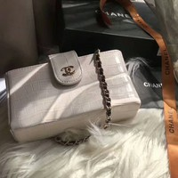CHANEL 2018 counter new trend trendy high-end chain bag F-AGG-CZDL White
