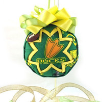 Oregon Duck Ornament quilted Christmas tree oregon duck team ornament ball green yellow