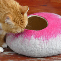 XL SizeCat Cave / Cat bed / Cat Den / Cocoon/Cat House /Gray Hand Felted and GIFT