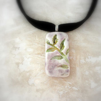 Feminine Leaf Choker, Nature Lover Jewelry, Pottery Necklace, Ceramic Pendant - Lilac and Green