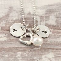 2 initials necklace, heart charm, Swarovski pearl, sterling silver, hand stamped, mom's necklace, gift for mom, tiny bits, delicate necklace