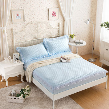 3-Pieces Solid Color Lace Bed Sheet Sets Quilted Fitted Bed sheet Queen Size Bed Sheet With An Elastic Band Mattress Topper