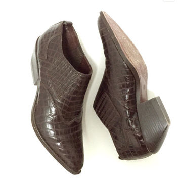 Womens Faux Alligator Shoes